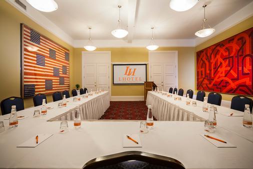 LHotel Montreal - Montreal - Meeting room