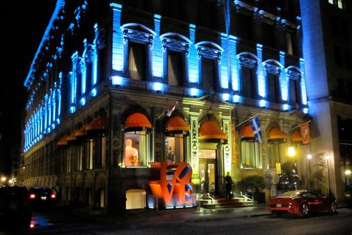 LHotel Montreal - Montreal - Building