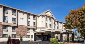 Quality Inn Downtown - Salt Lake City - Building