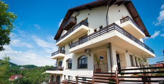 Pensiunea Toscana - Brasov - Building