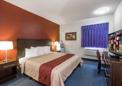 Red Roof Inn St Robert - Ft Leonard Wood - St Robert - Bedroom