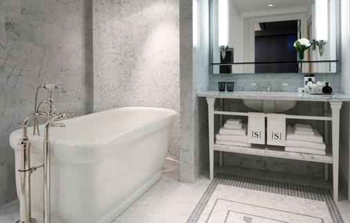The Surrey - New York - Bathroom