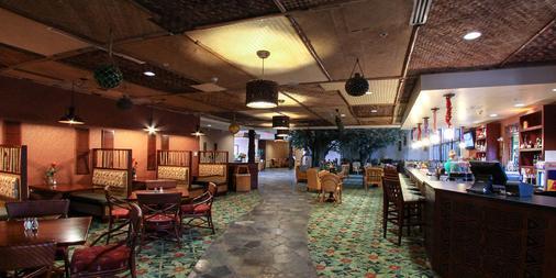 Maui Sands Resort & Indoor Waterpark - Sandusky - Lobby