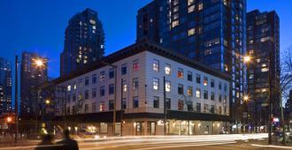 Moda Hotel - Vancouver - Building