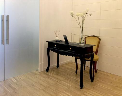 Maison Fleurie - Pescara - Front desk