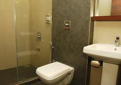 Concord Galaxy - Mumbai - Bathroom