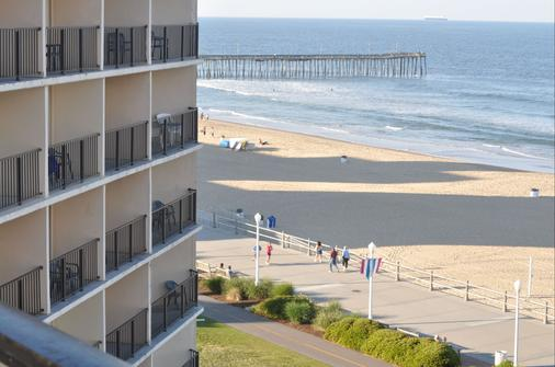 Surfbreak Oceanfront Hotel, an Ascend Hotel Collection Member - Virginia Beach - Outdoor view