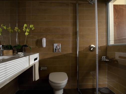 Dan Panorama Tel Aviv - Tel Aviv - Bathroom
