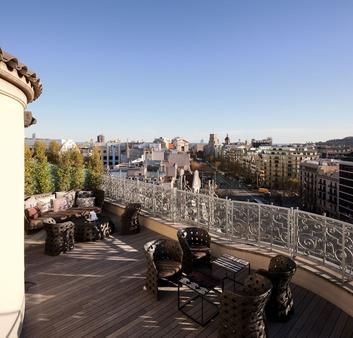 Majestic Hotel & Spa Barcelona - Barcelona - Balcony