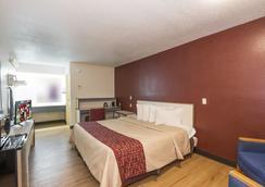 Red Roof Inn Atlanta - Norcross - Norcross - Bedroom